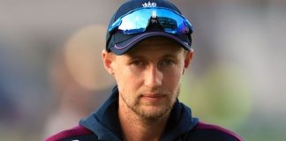 Root under 'no pressure' despite Ashes failure, says Bayliss