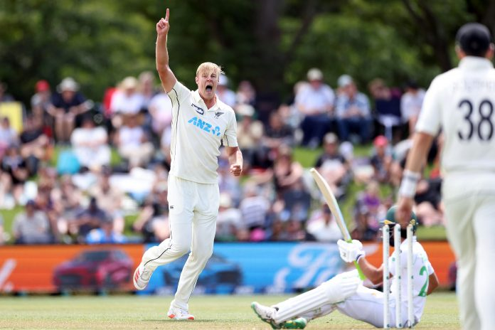 Jamieson rattles Pakistan's top order in opening session of Day one